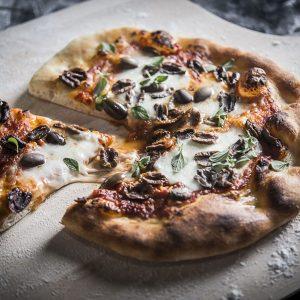 כף פיצה מעץ