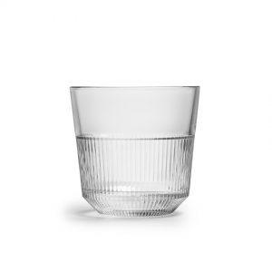 12 כוסות שתיה ראיו נערמות